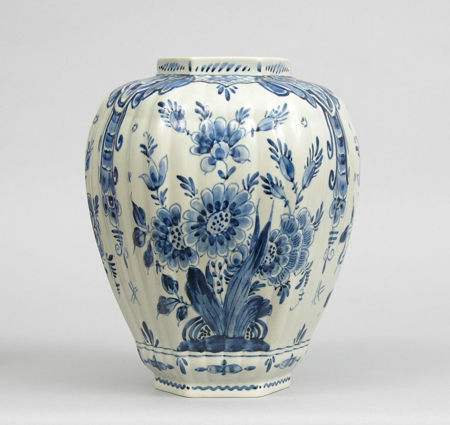 Old delft vase netherlands circa 20th century 111805 sold old delft vase netherlands circa 20th century reviewsmspy