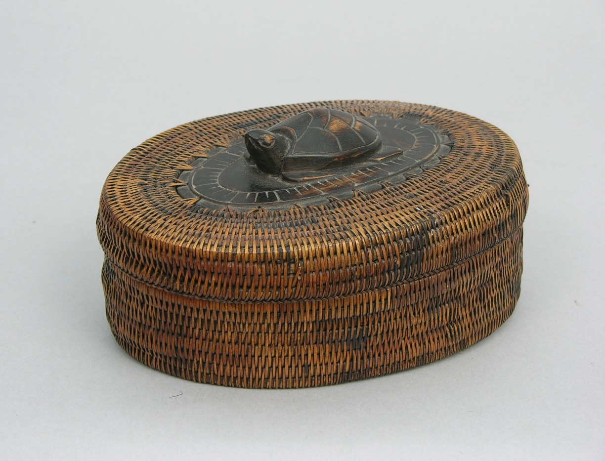 an early 20th century african basket with lid sold. Black Bedroom Furniture Sets. Home Design Ideas