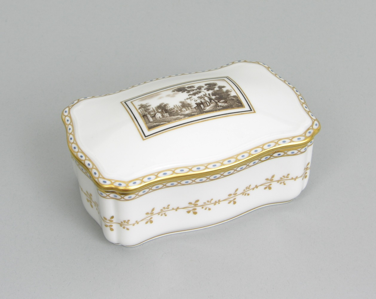 A Porcelain Box by Richard Ginori, 05.14.09, Sold: $143.75