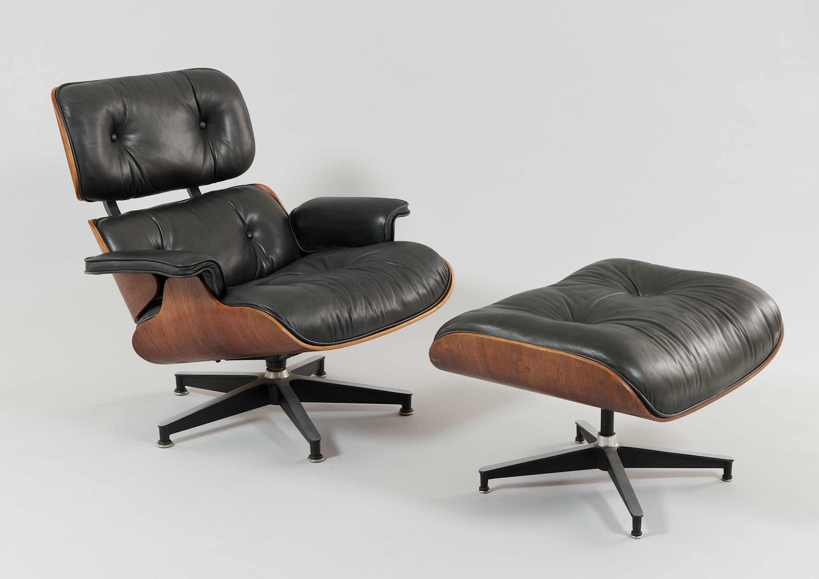Eames 670 Lounge Chair and 671 Ottoman by Herman Miller, USA, ca ...