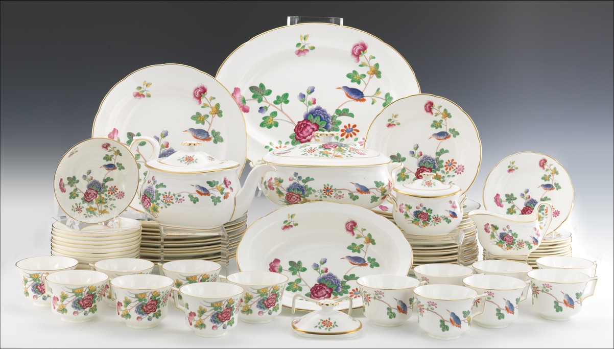 A Lot of Wedgwood \ Cuckoo\  China Dinnerware Service for Fourteen & A Lot of Wedgwood \