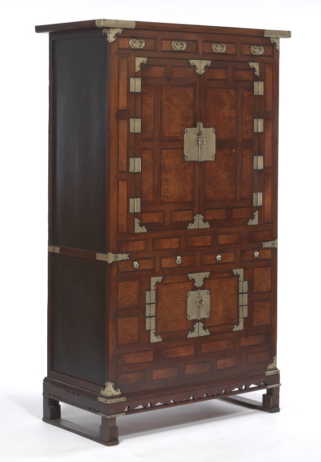 A rare antique korean wardrobe chest ca 1880 39 s for Mid century modern toy box