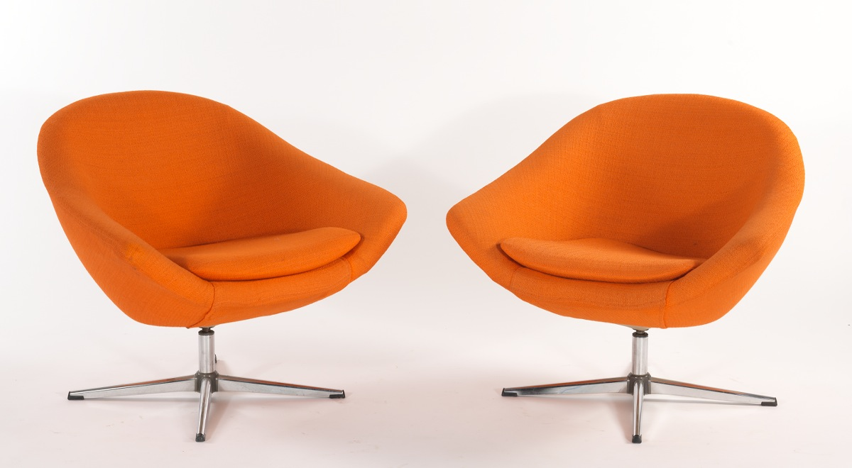 Clic Swedish Overman Swivel Egg Chairs Designed By Carl Eric
