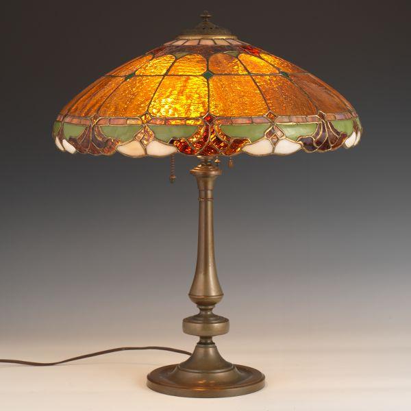 Wilkinson Fleur De Lis Leaded Glass Shade Lamp