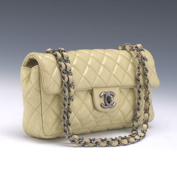 486c97d0e401 Chanel Quilted Mini Flap Patent Leather Shoulder Bag