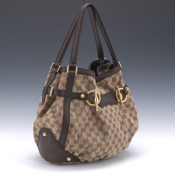 2b9c2efbc1b Gucci    Aspire Auctions