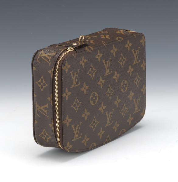 4b8792fe1b87 Louis Vuitton // Aspire Auctions