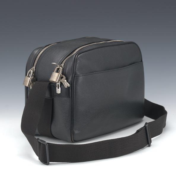 0f911864232 Louis Vuitton    Aspire Auctions